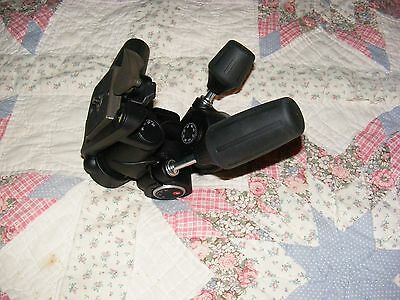 Manfrotto 804RC2 3-Way Pan/Tilt Head with RC2 Quick Release - Near MINT cond.!!!