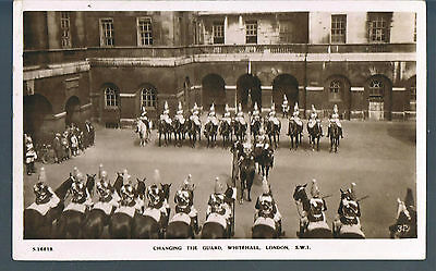 Kingsway Rp Postcard Changing The Guard At Whitehall Palace 1932