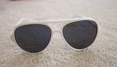 Sunglasses The Children's Place Ages 2-4 White Aviator VGUC