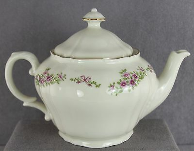 Vintage Ginori China Teapot Four Cup Tiny Pink Flowers And Bows Made In Italy