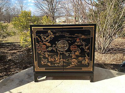 Drexel Et Cetera Black Chinoiserie Painted Pagoda Themed Cabinet