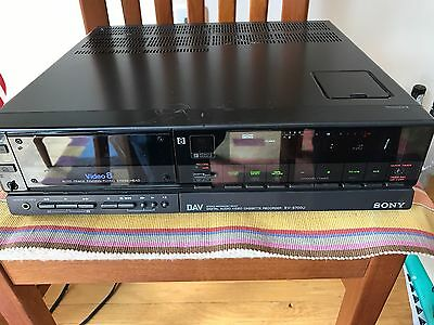 Sony EV-S700U 8mm DIGITAL AUDIO VIDEO RECORDER