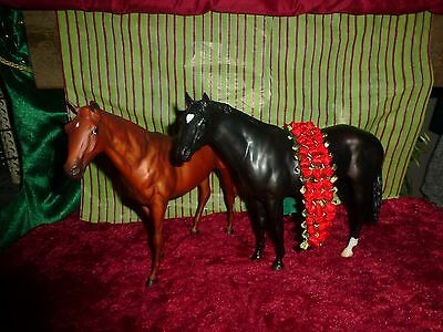 Breyer Model Horse Lot Brown and Black Race Horses with Garland