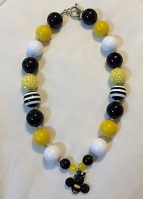 Girls Chunky Bubblegum Bumblebee Necklace With Toggle Clasp-black White Striped