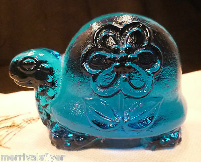 TURTLE Vintage COBALT BLUE Glass Viking Hand Made Paperweight Daisy Figurine ART