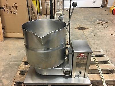 Groen TDB-4-40 Steam Jacketed Manual Tilt Kettle 10 Gallon/40 QT