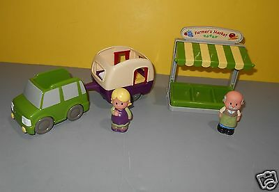 Step2 Mainstreet Village Travel Camper w/ Truck & Farmers Market Stand Figures