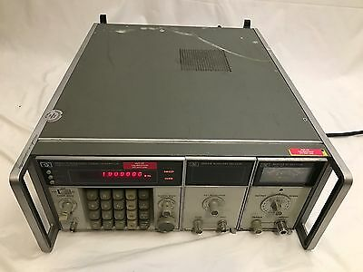 HP 8660C Synthesized Signal Generator + 86631B Auxillary and 86603A RF Sections