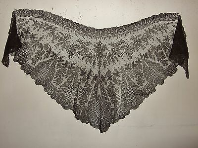 Antique Black Chantilly Lace Mantilla Shawl Mourning Veil