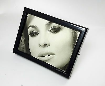 Picture Frame Table o wall 13x19 cm with RADIO AM/FM Incorporated K-321