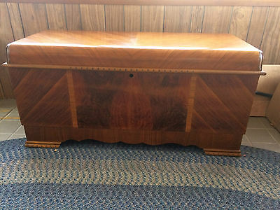 Vintage 1947 Art Deco LANE Cedar Chest with Tray (Dated 01/11/47)