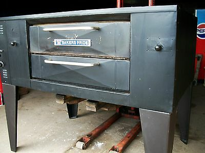 Bakers pride DS 805 pizza oven