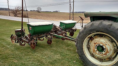 Oliver 540 4 Row Wide Corn Soybean Planter