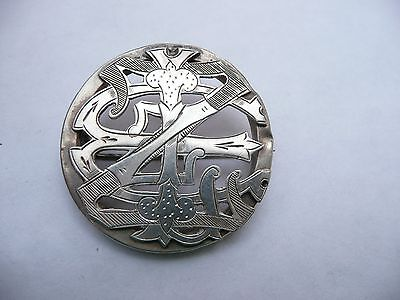 Superb Antique Solid Solid Chased Silver Round Art Nouveau Pin Brooch