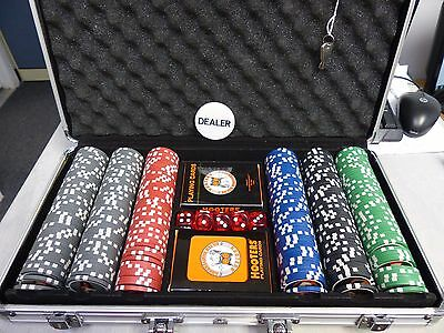 Hooters 25Th Silver Anniversary Poker Game / Complete Set / Limited Edition