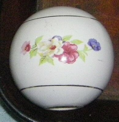 "1 Vintage Ceramic Brass Bed Lamp Replacement Ball Flowers Floral 2.5"" Hole"