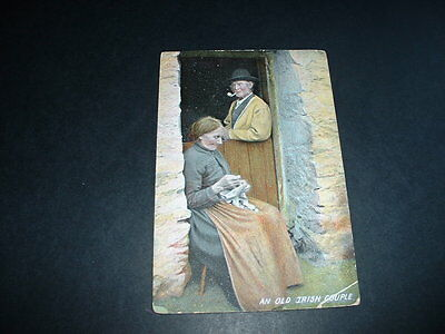 IRELAND  AN OLD IRISH COUPLE EARLY 1900s  POSTCARD USED