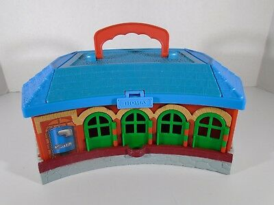 2002 Learning Curve--Thomas & Friends Take Along--Roundhouse Carry Case (Look)