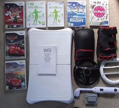 NINTENDO Wii BALANCE BOARD + ACCESSORY BUNDLE CARS SPORTS RESORT PARTY GAMES