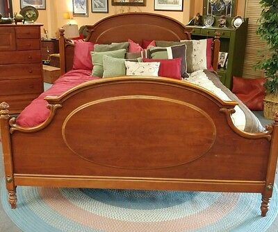 LEXINGTON Furniture CHEZ MICHELLE CHERRY KING BED MADE USA French Quarter