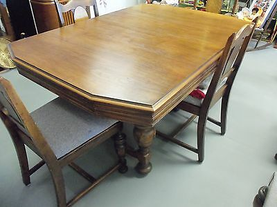 ANTIQUE JACOBIAN STYLE OAK DINING SET ca. 1920