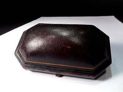 """""""Godwin"""" ANTIQUE DOMED LEATHER BROOCH & EARRING BOX  ...(plush & silk interior)"""