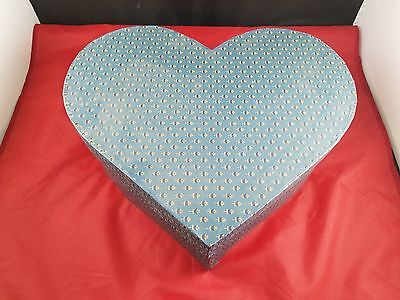 Beautiful Collectible Heart Shaped Handmade Wallpaper Hat Box With Flower Design