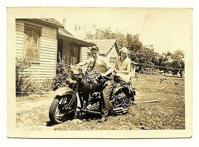 HARLEY DAVIDSON 1910's ORIGINAL VTG SNAPSHOT PHOTO Young Man & Girl Riders