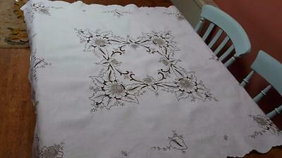 """Vintage Madeira Hand Embroidered Linen Tablecloth 40X42"""" Gorgeous"""