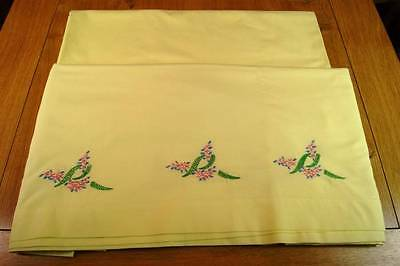 2 VINTAGE BRENTFORD NYLONS YELLOW SHEETS One Embroidered Flowers #S8