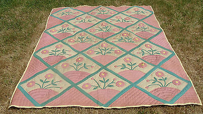 """Beautiful vintage applique all hand quilted quilt, 86"""" x 63"""" *"""