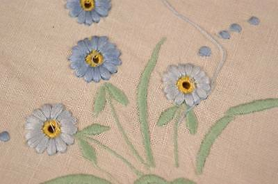 """VINTAGE IRISH LINEN TABLECLOTH - Embroidered Flowers 32.5"""" Square #T93"""