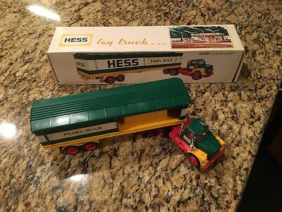 1975 Hess Truck Collectable Toy, Nib, Excellent Condition, Gas & Oil