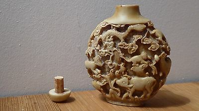 Vintage/antique Hand Carved  Resin Chinese Snuff Bottle