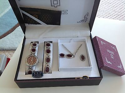 Ladies Watch ,Bracelet,necklace And Earrings Set