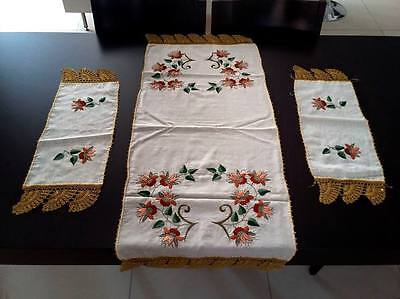 Set of 3 Vintage Embroidered Linen Tablerunner and Doilies.Handmade Crochet Lace