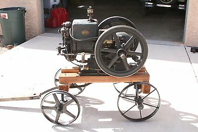Antique 1.5 HP IHC McCormick Deering Hit Miss Engine