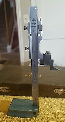 """Mitutoyo  6"""" Vernier Height Gage With Wood Case"""