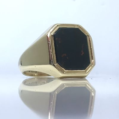 Solid Vintage 1959 Bloodstone Heavy Gents Signet Ring in 9ct Yellow Gold size Q