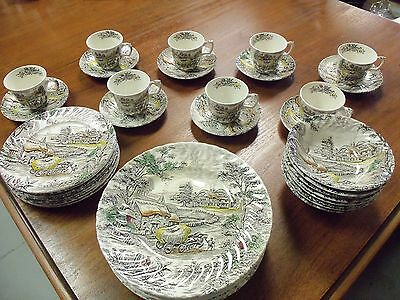 Vintage Staffordshire Yorkshire Ironstone China 32 Pc Dinner Set