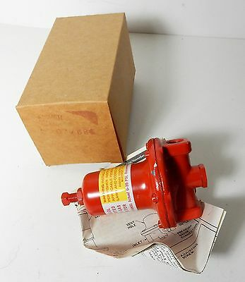 NOS 1970's FISHER TYPE 67 684 810l LP GAS REGULATOR IN BOX