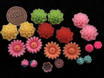 Vintage & Old Stock Lucite Plastic Flower Cabs Mix 20