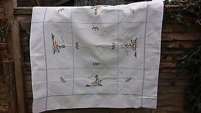 Vintage 1940s hand embroidery tablecloth beautiful cross stitch pagoda oriental