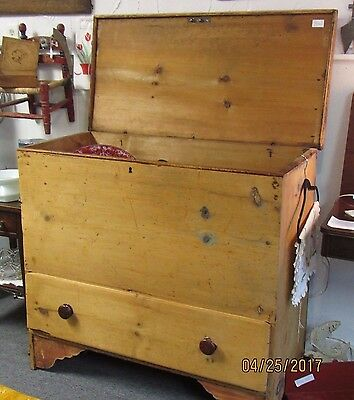 Antique pine, lift top, single drawer, blanket chest