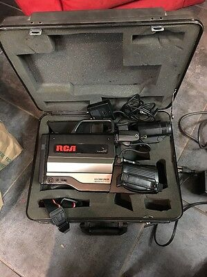 Vintage RCA CPR250 VHS Camcorder with Case/Batteries/Charger