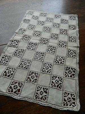 Vintage UNUSED Irish linen table topper with Italian Reticella needlelace.