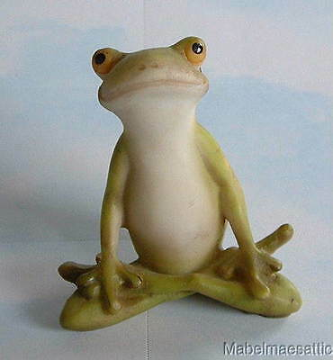 New Handpainted Master Yoga Frog in Lotus Position Figure Frogs Fairy Garden