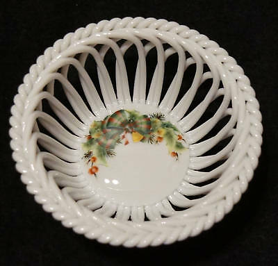 Herend Queen Victoria Small Porcelain Open Weave Basked Bowl Hand Painted