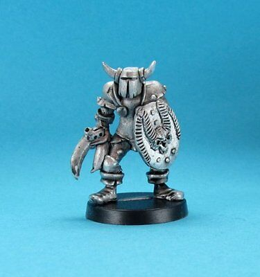 Ral Partha Fantasy - Chaos Knights - Chaos Knight with Claw (28mm scale)