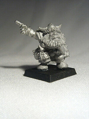 Ral Partha Fantasy - Heartbreaker Miniatures - Dwarf Trailblazer - sapper